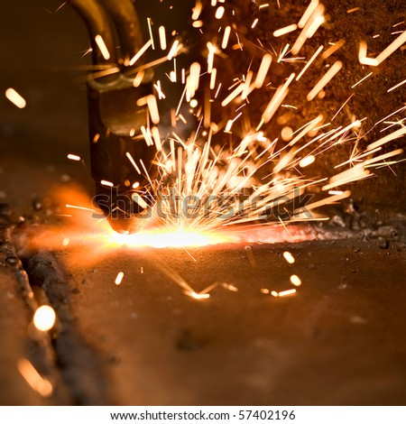 Gas cutting of the metal