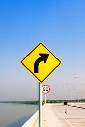 General traffic sign symbol and traffic signal