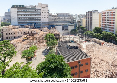 General view of a demolition site with an asbestos issue
