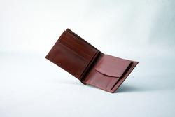 Genuine leather men's bifold wallet
