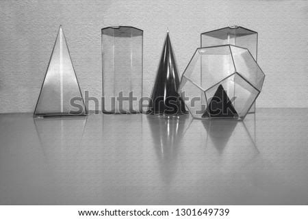 geometric volumes or geometric figures #1301649739
