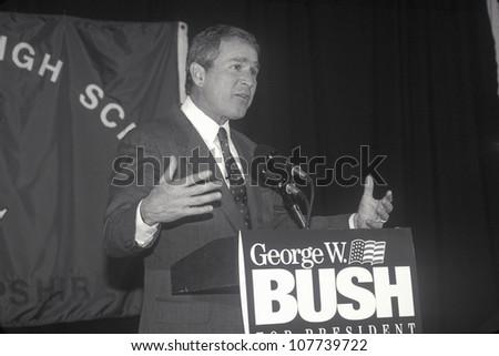 George W. Bush speaking at Londonderry High School, NH, January 2000