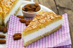 German bee sting cake with almonds