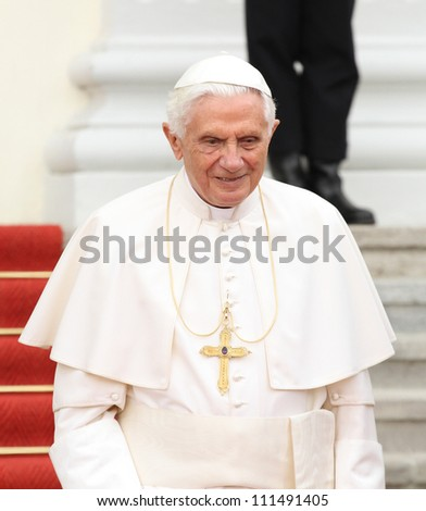 GERMANY - SEPTEMBER 22: Reception of Pope Benedict XVI, from Federal President Christian Wulff and his wife Bettina Wulff at Schloss Bellevue on September 22, 2012 in Berlin, Germany.