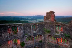 Geroldseck castle ruins overlooking the Kinzigtal valley, evening mood, Black Forest, Baden-Wuerttemberg, Germany, Europe