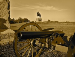 Gettysburg: Cannon and Statue of Union Commander General George Meade