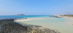 Geumseong Beach, an invincible beach, an emerald sea
