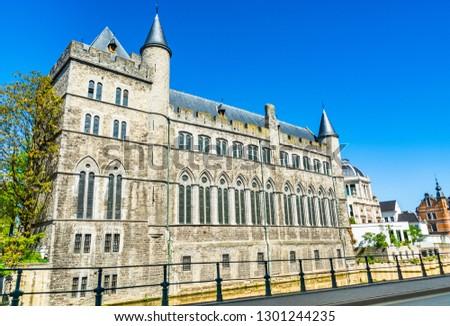 Ghent, Belgium: Castle of Gerald the Devil (Geeraard de Duivelsteen) a 13th century gothic castle built to serve in defense of the Portus Ganda, the city's port. Stockfoto ©