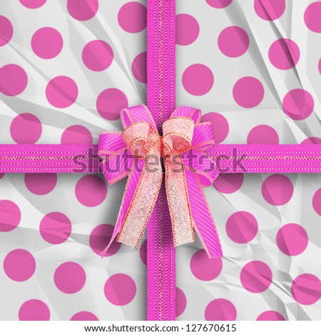 Gift and present wrapping with vintage style paper - pink white theme for lover