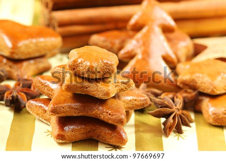Gingerbread Christmas tree and star anise. table decoration