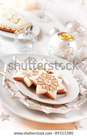 Gingerbread for Christmas in white