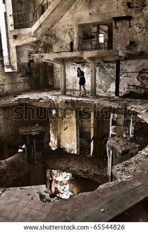 girl in the lone concrete jungle