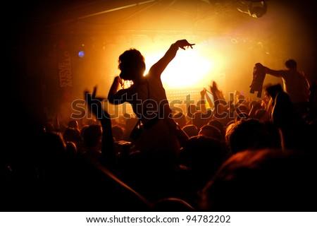 Girl On Shoulders Silhouette - Cream Nightclub