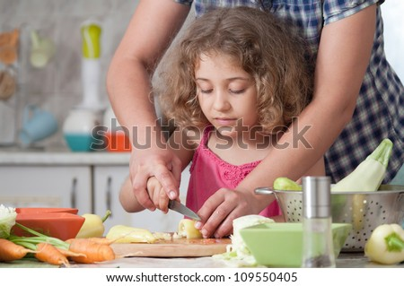 girl preparing healthy food vegetable salad