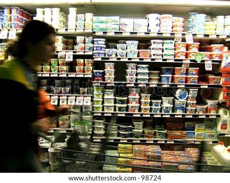 girl shopping with shopping cart