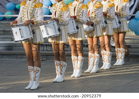 girls with drums on the parade