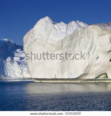 Glaciers and icebergs of Greenland 8