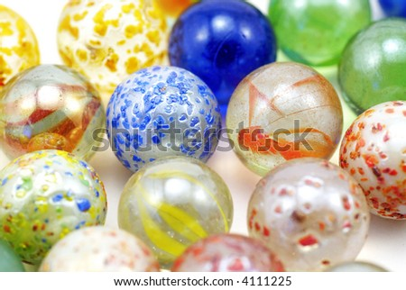 glass marbles; differential focus