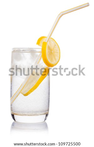 glass with straw, ice cube, crushed ice, lemon slice