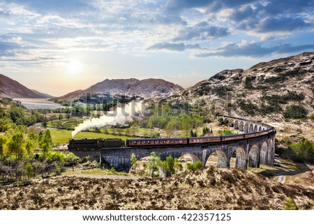 glenfinnan railway viaduct in...