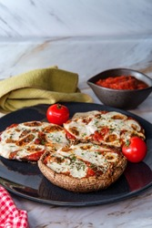 Gluten-free pizza stuffed portobello mushrooms for people with celiac disease
