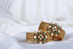 goald bridal bangles for Indian wedding