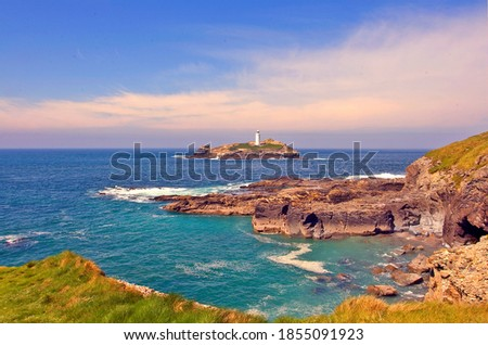 Godrevy Lighthouse was built in 1858–1859 on Godrevy Island in St Ives Bay, Cornwall. Standing approximately 300 metres (980 ft) off Godrevy Head, Zdjęcia stock ©