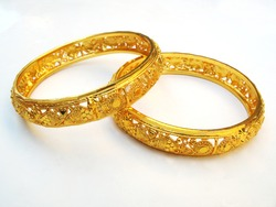 Gold bangle for a valentine gift
