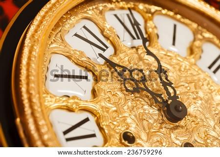 gold clock #236759296