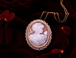 Gold luxury elegant pendant with picture of woman