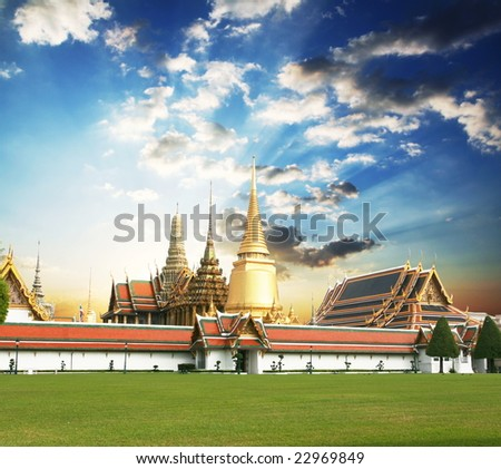 stock photo : Gold palace in Bangkok