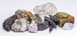 gold, silver, rough diamonds, bauxite, pyrolusite, galena, pyrite, chromite, lepidolite, chalcopyrite. Collection of stones extracted in Brazil, mineralogy, Brazilian mineral wealth