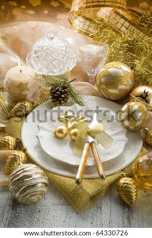 gold xmas table