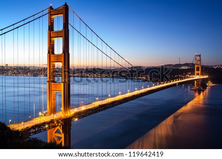 Golden Gate Bridge in early morning - San Francisco