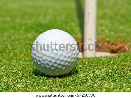 Golf ball ot the hole
