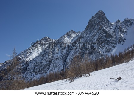Gorgeous Mountain Peaks Near the Villages of Casset and Monetier-les-Bains in the Hautes Alpes Department of France Zdjęcia stock ©