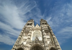 Gothic cathedral of Saint Gatien (built between 1170 and 1547), Tours, France