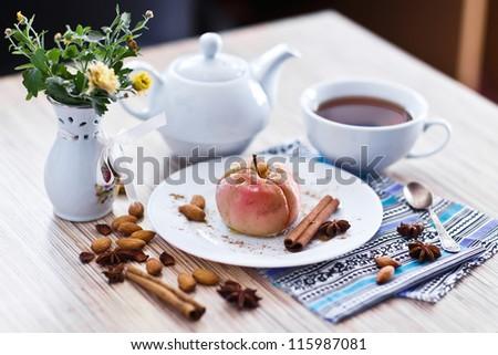 gourmet baked apple with tea