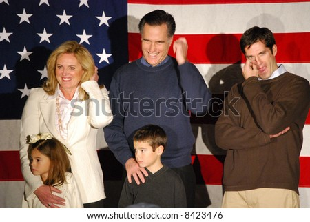 mitt romney family pictures. Mitt Romney campaigning