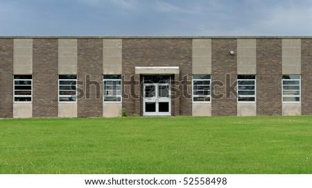 Grade school building