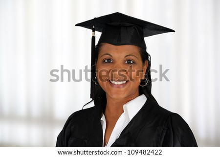 Graduation of a woman dressed in a black gown