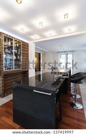 Grand design - Bar counter in modern kitchen
