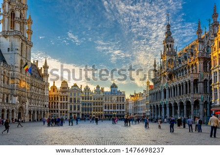 Grand Place (Grote Markt) with Town Hall (Hotel de Ville) and Maison du Roi (King's House or Breadhouse) in Brussels, Belgium. Grand Place is tourist destination in Brussels. Cityscape of Brussels. Stockfoto ©
