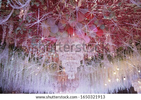 Grandeur chandelier for a ceiling in an elegant event