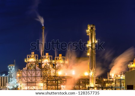 Grangemouth oil refinery at night