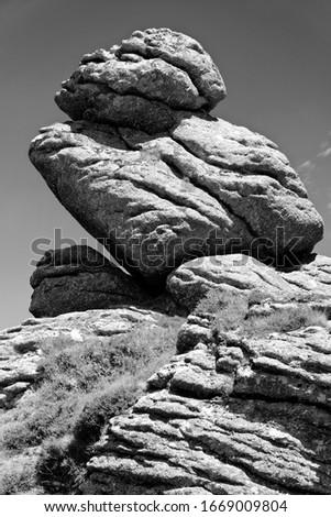 Granite Rocks at Honeybag Tor, Bonehill Down, Dartmoor, Devon, UK Stock fotó ©
