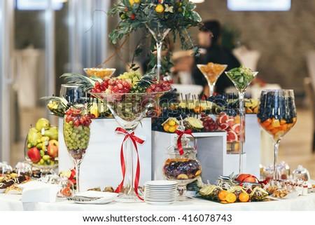Free Photos Sweet Flower Vase On Dinner Table Avopix