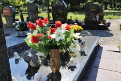 Grave design, tomb, care of graves