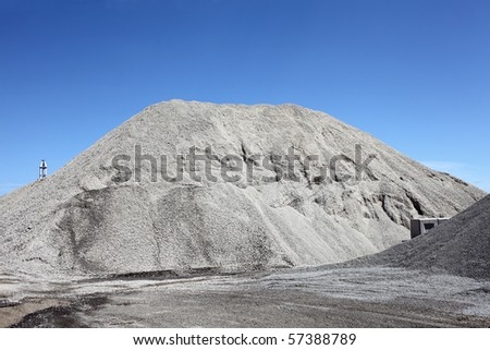 Gravel gray mound