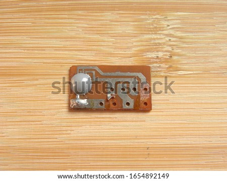 Gray color glop top epoxy resin on Chip on board circuit